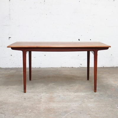 Dining table by Ejnar Larsen & Aksel Bender Madsen for Naestved Møbelfabrik, 1960s
