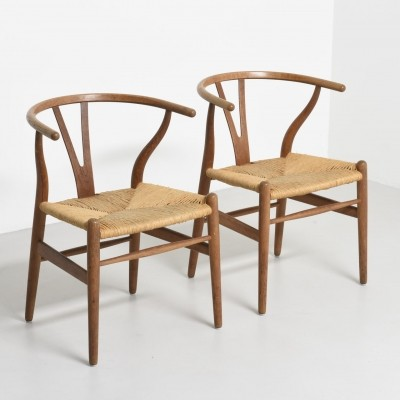 Pair of Wishbone dinner chairs by Hans Wegner, 1950s