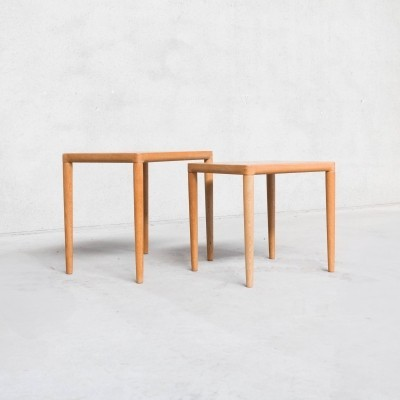 Set of 2 oak nesting tables by H.W. Klein for Bramin
