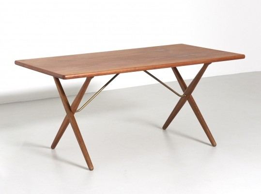 Crossleg table in teak by Hans J. Wegner, 1960s