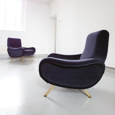 A pair of Lady lounge chairs in purple-gray velvet by Marco Zanuso