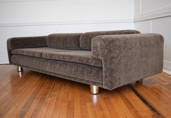 British Howard Keith Diplomat Sofa in Kvadrat Matrix Velvet Fabric