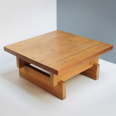 Coffee Table in Solid Pine
