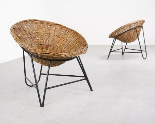 Pair of French wicker lounge chairs, 1950s