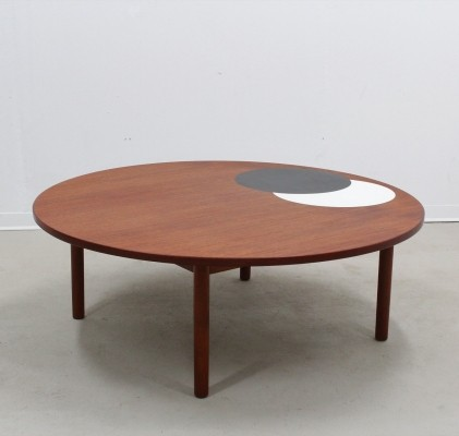 Large mid century round danish coffee table by Hans Per Jeppesen