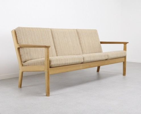 GE-265/3 sofa by Hans Wegner for Getama, 1960s