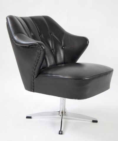 60s Club Chair in Black Leatherette