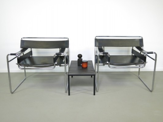 Pair of Wassily B3 lounge chairs by Marcel Breuer for Gavina, 1980s
