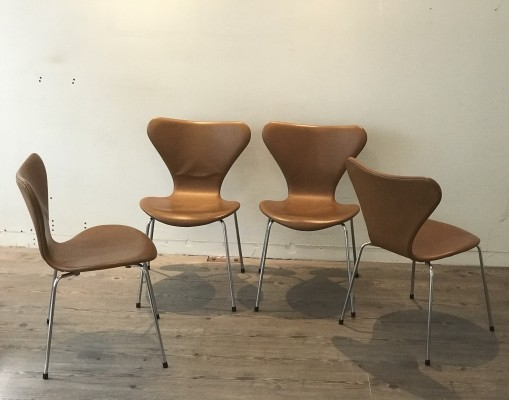 15 x Soft cognac leather 'Model 3107' dinner chair by Arne Jacobsen