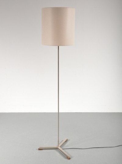 Modern Dutch floor lamp by Willem Hagoort