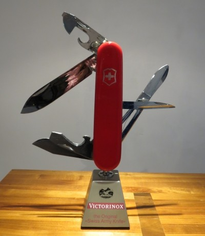 Moving Swiss Army Knife display by Victorinox