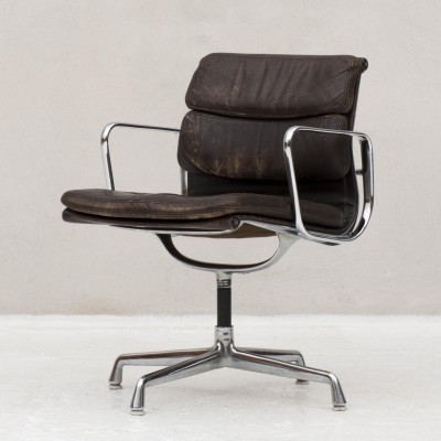 Desk chair by Charles & Ray Eames made by Vitra for Herman Miller, 1960s