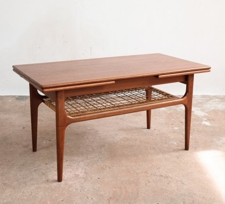 Danish extendable coffee table in teak with bamboo in-between