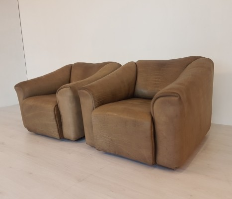 Set of two De Sede DS47 clubchairs in a light brown buffalo leather