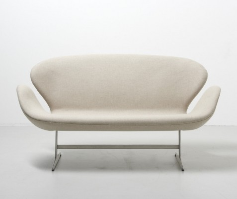 Swan sofa by Arne Jacobsen, 1950s