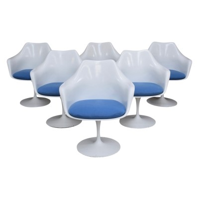 Early set of six tulip chairs by Eero Saarinen for Knoll