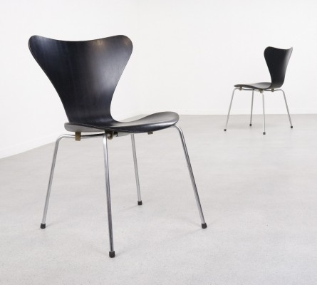 2 x Early 3107 dinner chair by Arne Jacobsen for Fritz Hansen, 1960s