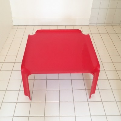 Vintage Red Lacquered 'Model 877' Coffee Table by Pierre Paulin for Artifort