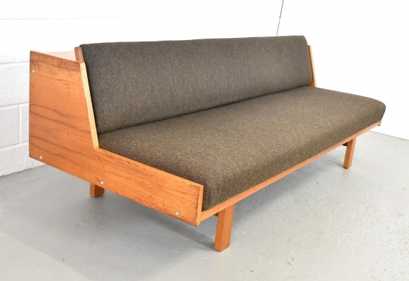 GE 258 sofa by Hans Wegner for Getama, 1970s