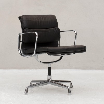 Desk chair by Charles & Ray Eames for Herman Miller, made by Vitra, US 1960