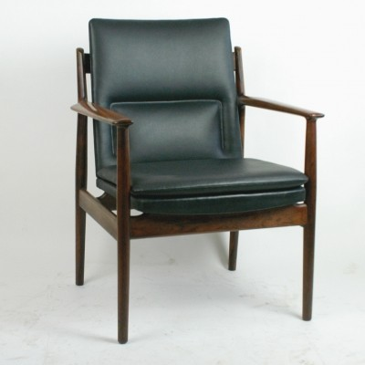 Mod. 431 Rosewood Armchair by Arne Vodder