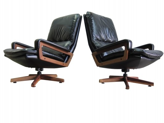 Pair of King lounge chairs by André Vandenbeuck for Strässle, 1980s