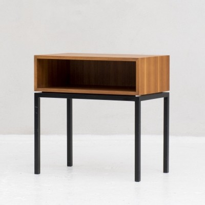 Vintage sidetable by Florence Knoll, 1960
