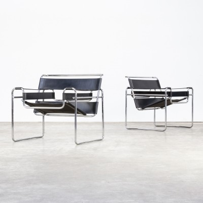 Set of 2 Marcel Breuer 'wassily' B3 chairs in black leather for Gavina