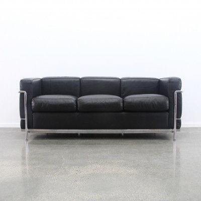 LC2 3-seater sofa by Le Corbusier & Charlotte Perriand for Cassina