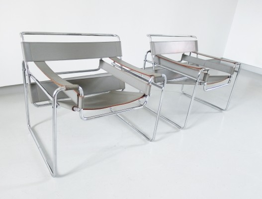 Marcel Breuer Wassily chairs for Knoll, Italy 1980s