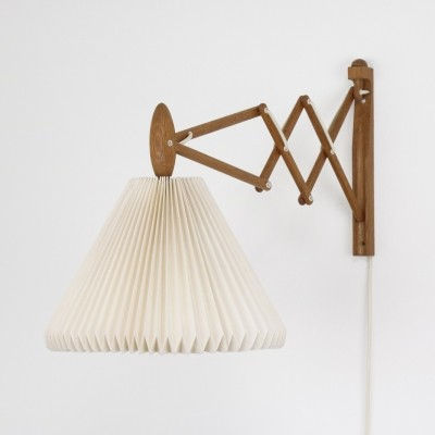 Early 334 wall lamp by Erik Hansen for Le Klint, 1950s