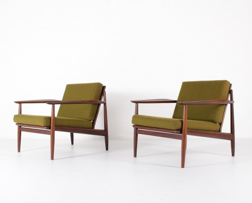 Pair of easy chairs by Arne Vodder