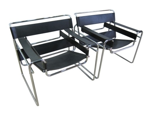 Bauhaus set of Knoll B3 'wassily' chairs in black leather by Marcel Breuer, 1990s