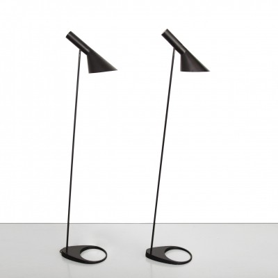 Two vintage Arne Jacobsen Visor floor lamps in black