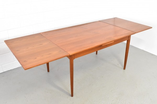 Dining table by Niels O. Møller for JL Møller Møbelfabrik, 1970s