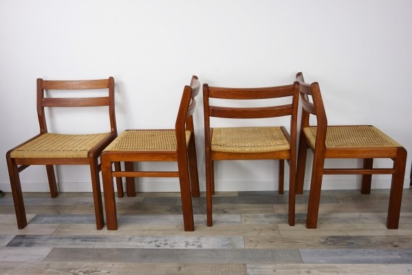 Set of 4 Scandinavian Style Teak Wooden Dining Chairs, 1960s