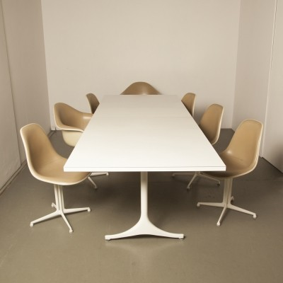 George Nelson Pedestal table F66 & DAL / La Fonda chairs by Charles & Ray Eames