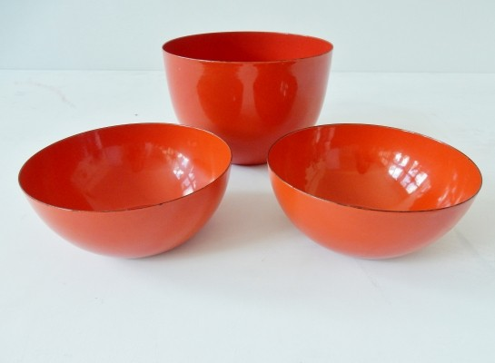 Set of three red enameled bowls by Kaj Franck for Finel Finland