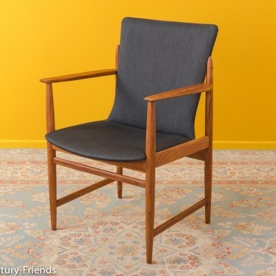 Armchair in walnut from the 1960s