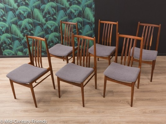Set of 6 Walnut dining chairs from the 1960s