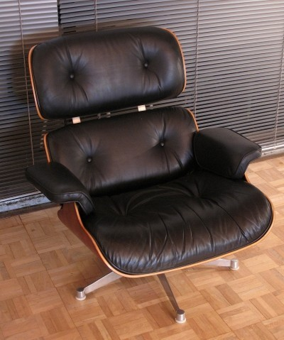 Vintage Eames Lounge Chair For Vitra