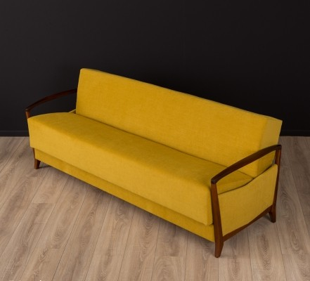 Sofa/daybed in mustard colors from the 1950s