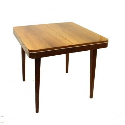 Wooden dining table by Jitona NP