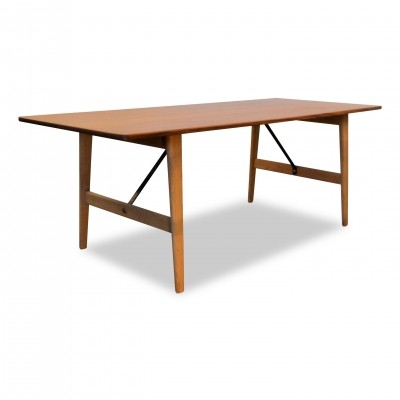 Danish design Børge Mogensen low dining table, model 281
