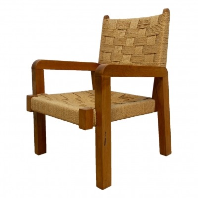Minimalistic chair in wood & coated rope