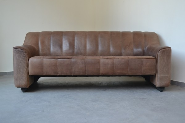 DS44 three-seater in dark brown buffalo leather by De Sede, Switzerland 1970s
