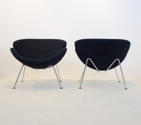 Pair of Artifort F437 Orange Slice Chairs by Pierre Paulin