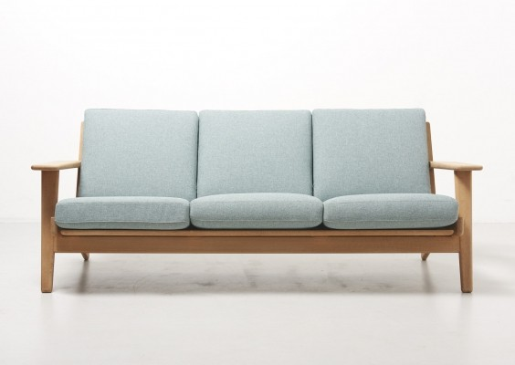 Three-Seat Model GE 290 by Hans Wegner