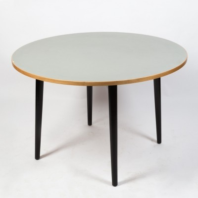 Round table with linoleum by Kurt Thut for Thut Möbel