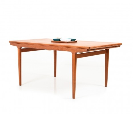 Large Extendable Teak Dining Table by Johannes Andersen for Uldum Møbelfabrik